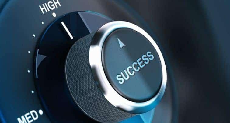 BE A SUCCESSFUL DJ