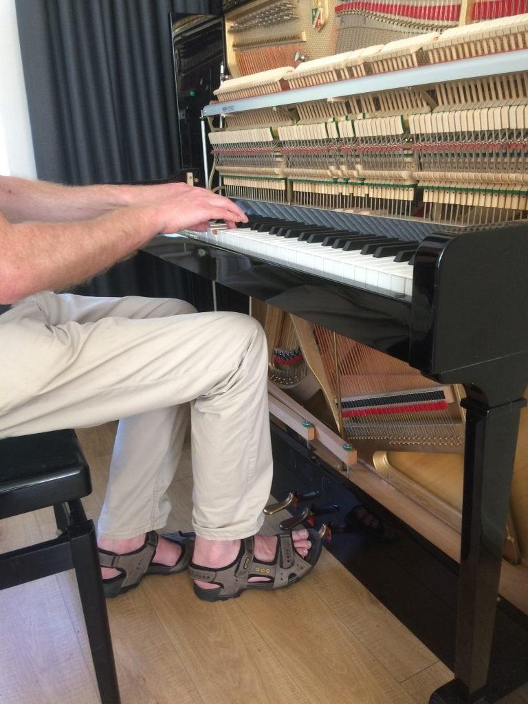 Verlaagde pianopedalen