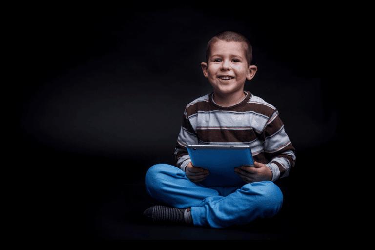 Négligence émotionnelle des enfants et jeux électroniques