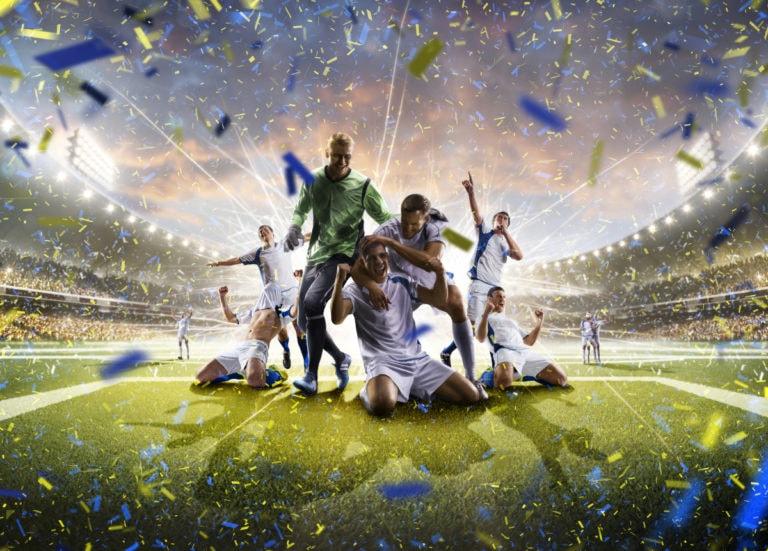 equipe-de-futebol-comemorando-vitoria-betssonfc