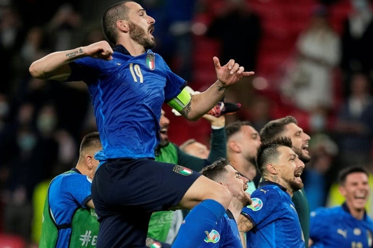 Italy see off battling Austria to join Denmark in Euro 2020 quarters -  World Soccer Talk