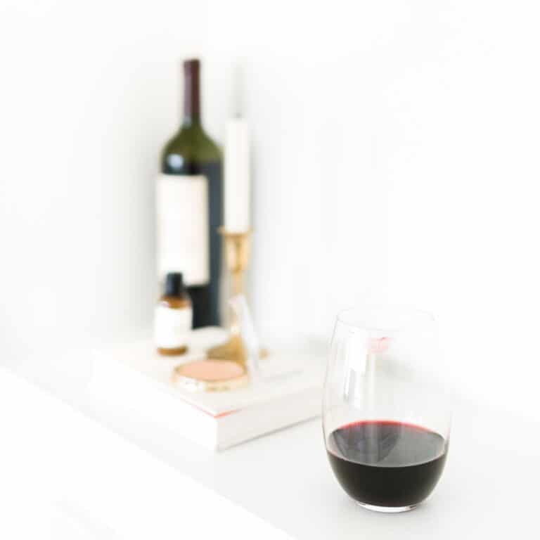 The Top 9 Best Gifts for Wine Lovers [2021]