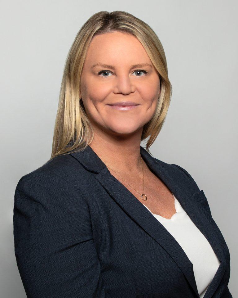 Kelly Smith Headshot