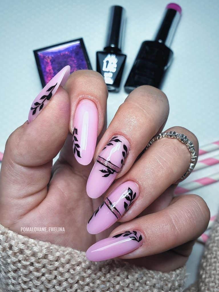 naklejki na paznokciach