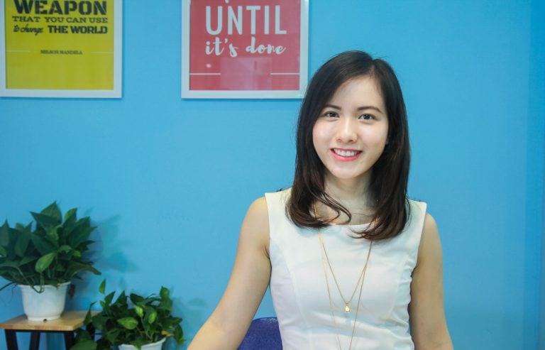 cô giáo trẻ đang từng ngày nỗ lực xây dựng chương trình học với mục tiêu giúp ích cho 10 triệu người Việt trẻ.