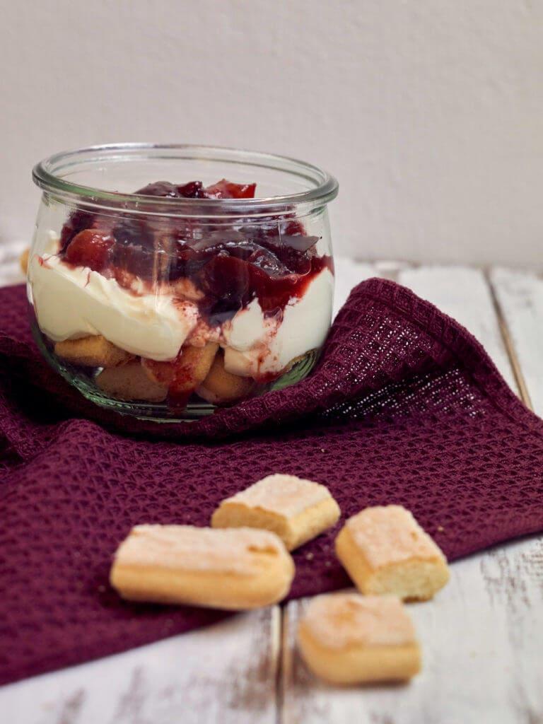 Zwetschgen-Schicht-Dessert