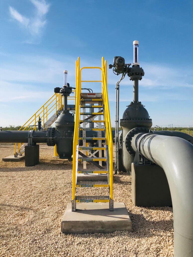 ErectaStep's Pipeline Valve Access Metal Platform