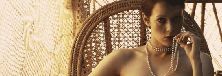 «Emmanuelle»: tra sguardo maschile ed eros sovversivo