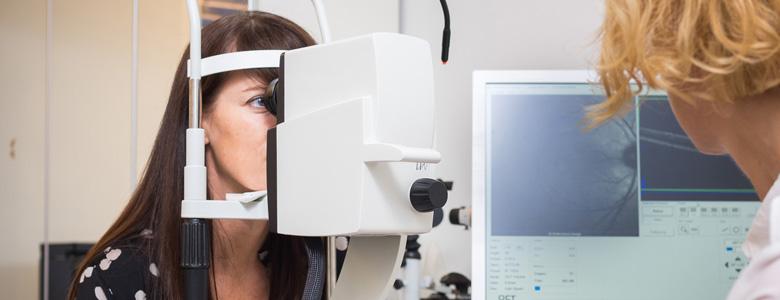 Untersuchung Netzhaut OCT Augen OP