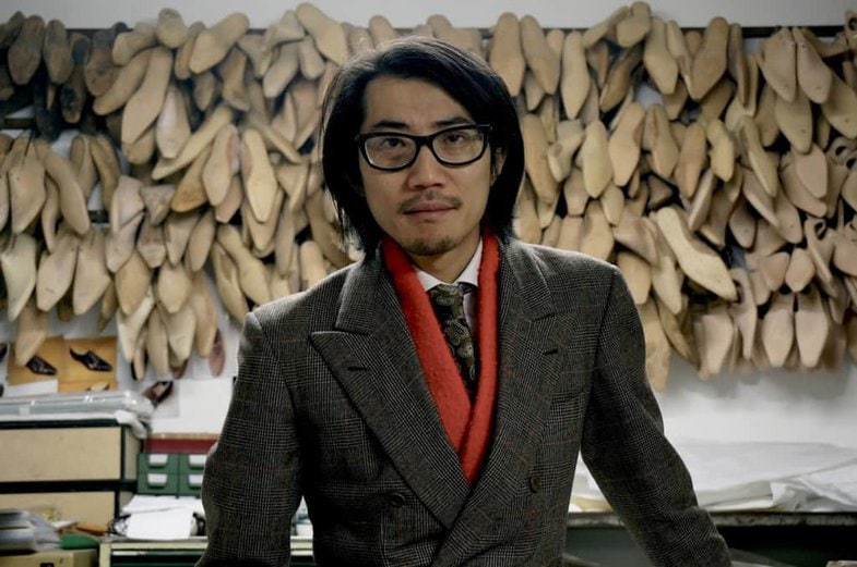 HIdetaka Fukaya i egen hög person.
