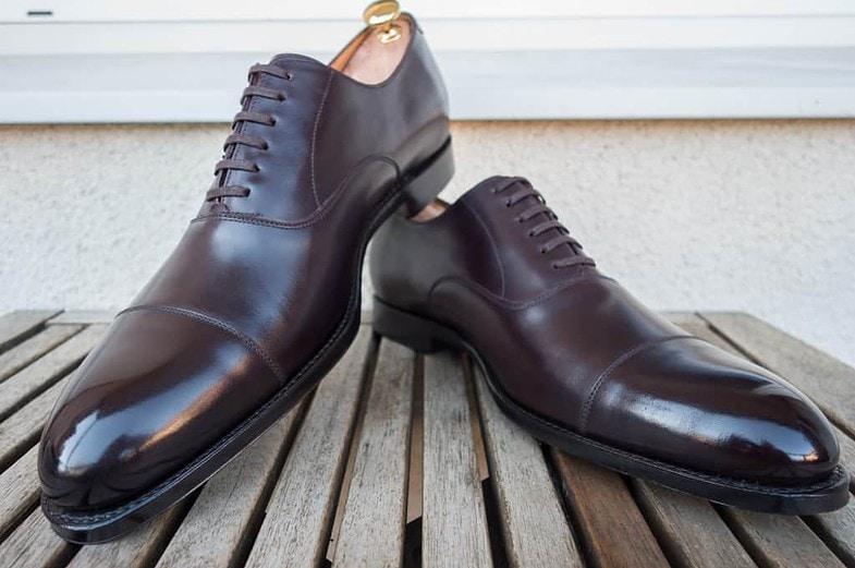 En plain cap toe oxford är urtypen av en kvalitetssko, även om nyansen oxblod inte är särskilt vanlig.