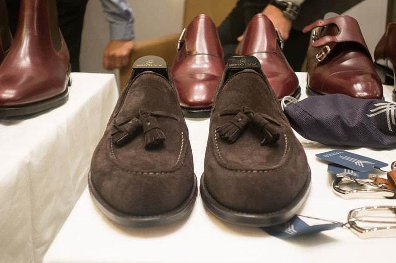 Tassel-loafer på en rundare läst speciellt anpassad för loafers. Jag som har storlek 10 som standard vanligtvis testade lästen i den storleken, och de satt bra och ganska lagom tajt, vilket är viktigt för loafers.