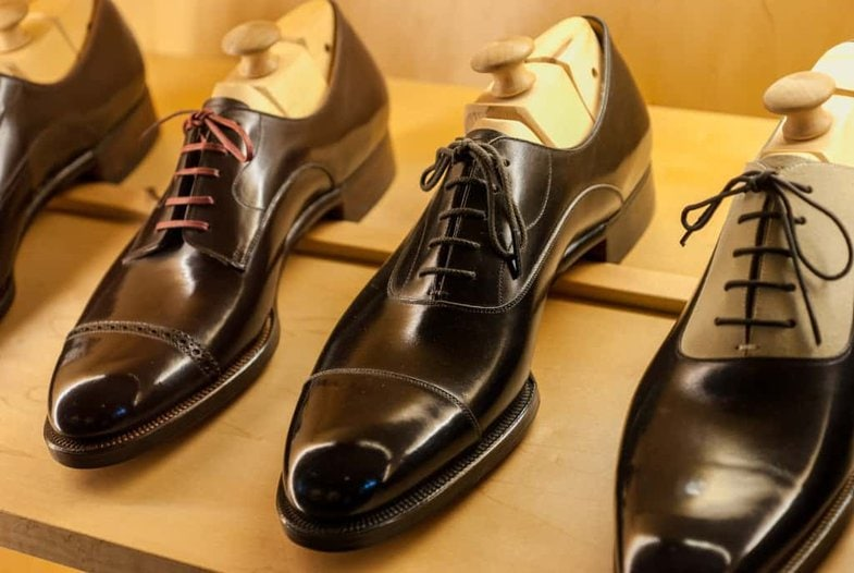 Back on the men's shoe shelf, with more bespoke samples.