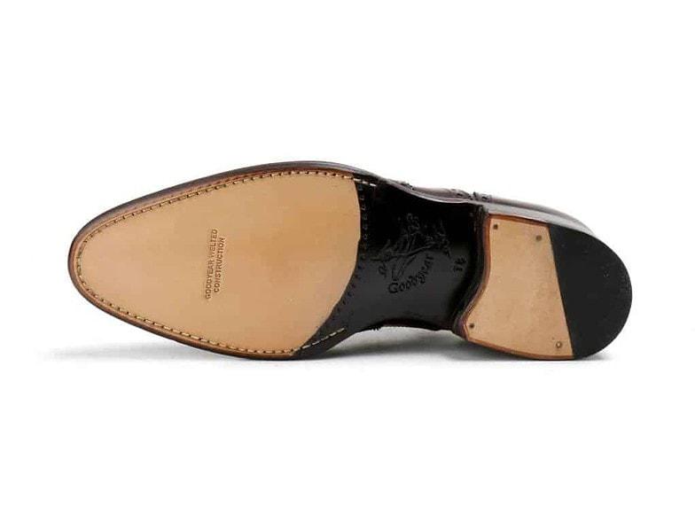 Sulan på Jalans skor. Bild: Unipair