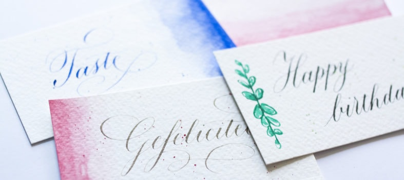 3 simpele manieren om je kalligrafie af te maken met aquarel