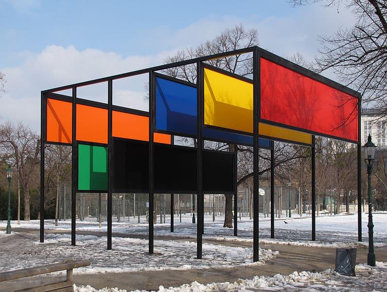 "Kunstwerk ""Stage Set"" im Wiener Stadtpark"