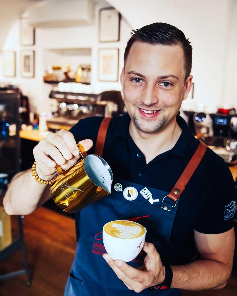 Benjamin Graf Baristatrainer, Leitung MUMAC Coffee Academy Austria, Cafetier des Jahres 2016 & 2017 etc.