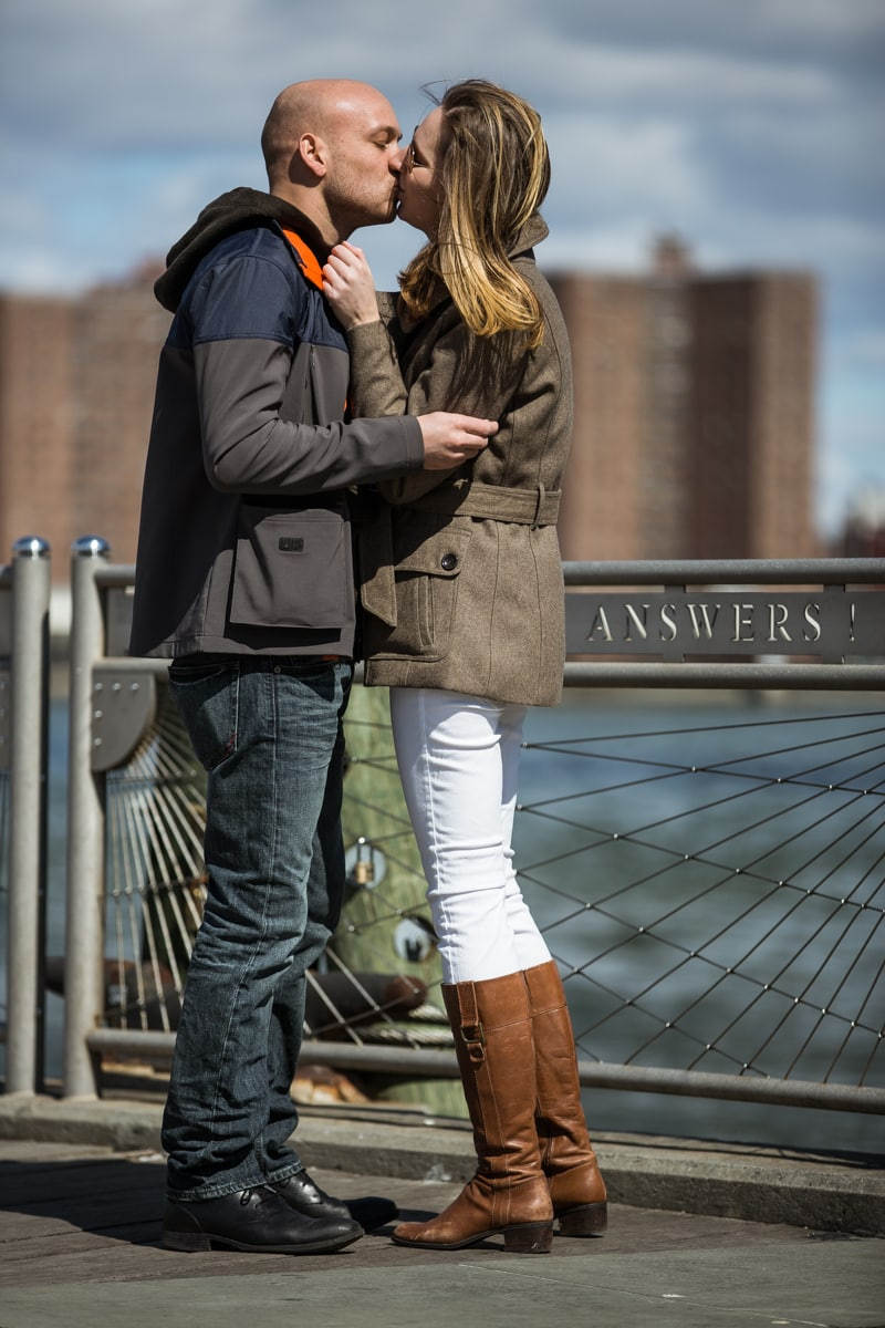 [Marriage proposal at Brooklyn Bridge Park ]– photo[6]