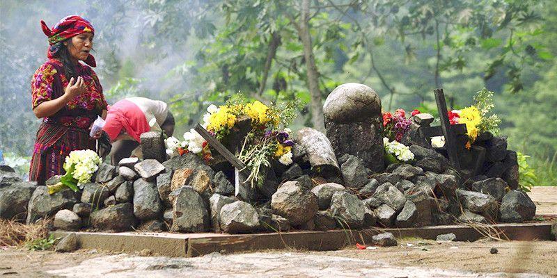 Ritual maya en Cerro Pascual Abaj