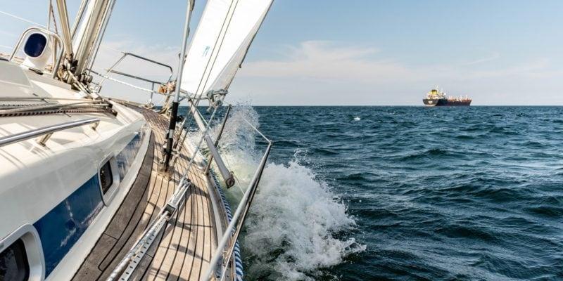 Sailing floor