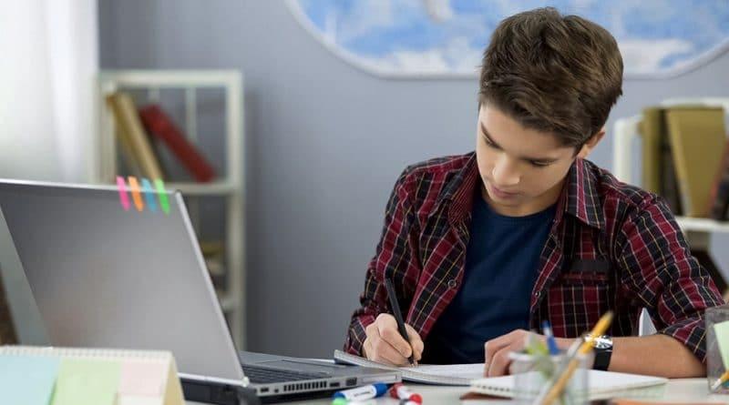 Украина открывает бесплатные курсы для крымских школьников