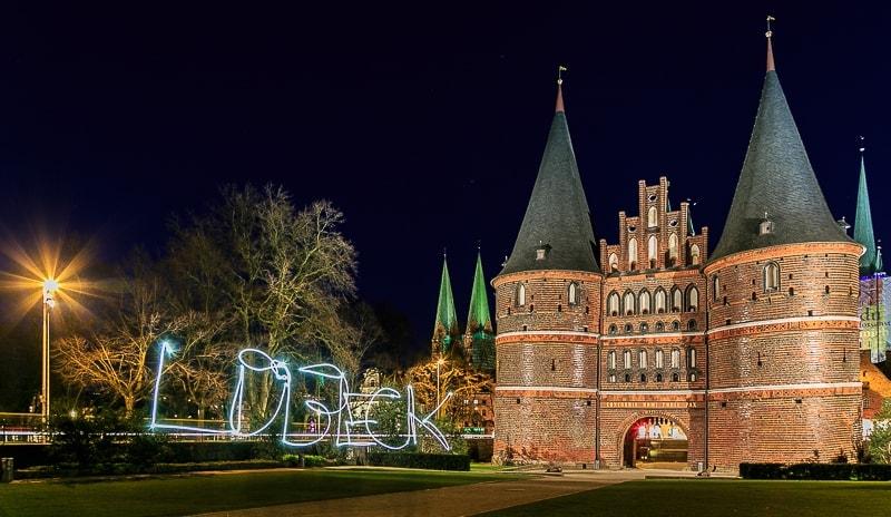 Lübeck, Hostentor, Holsteiner, Lichtmalerei