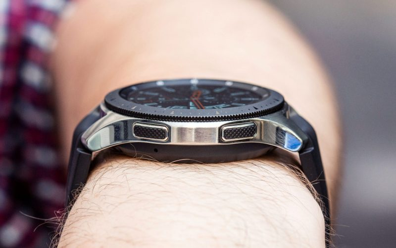 Apple Watch 4 or Samsung Galaxy Watch? Here is What to Choose 4