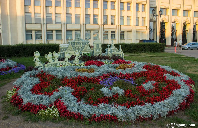 Flowerbed designed by Myshkin town, Yaroslavl – 2016