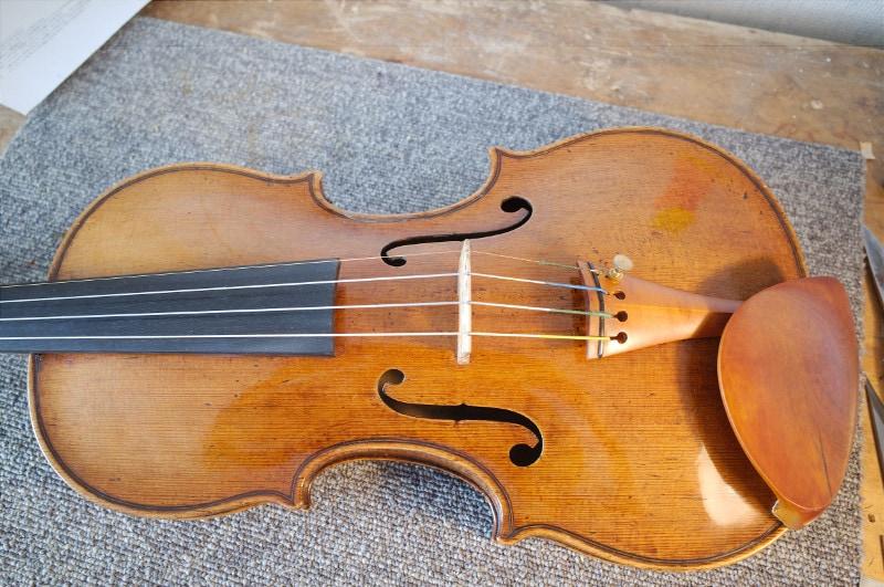 フランチェスコ・ルジェリのバイオリン、表板のアーチ