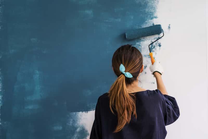 краска для стен в квартире без запаха