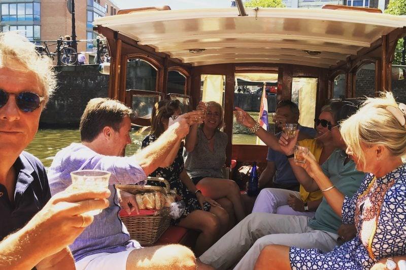 Salonboot Delphine tot 12 passagiers