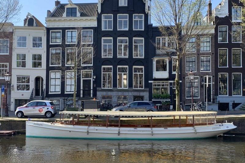 Salonboot Avanti op de Prinsengracht