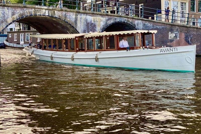 Salonboot Avanti vanaf de Prinsengracht de Amstel op