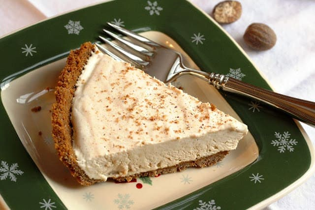 Egg Nog Pie with Gingersnap Crust - easy make-ahead pie perfect for the holidays | www.savingdessert.com