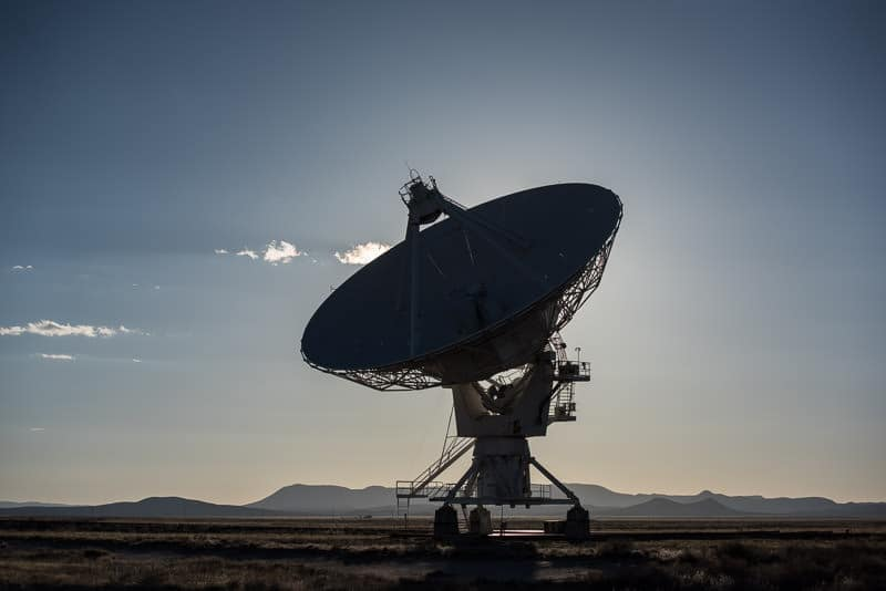 Satellite at the very large array on the tracks that allow them to be moved