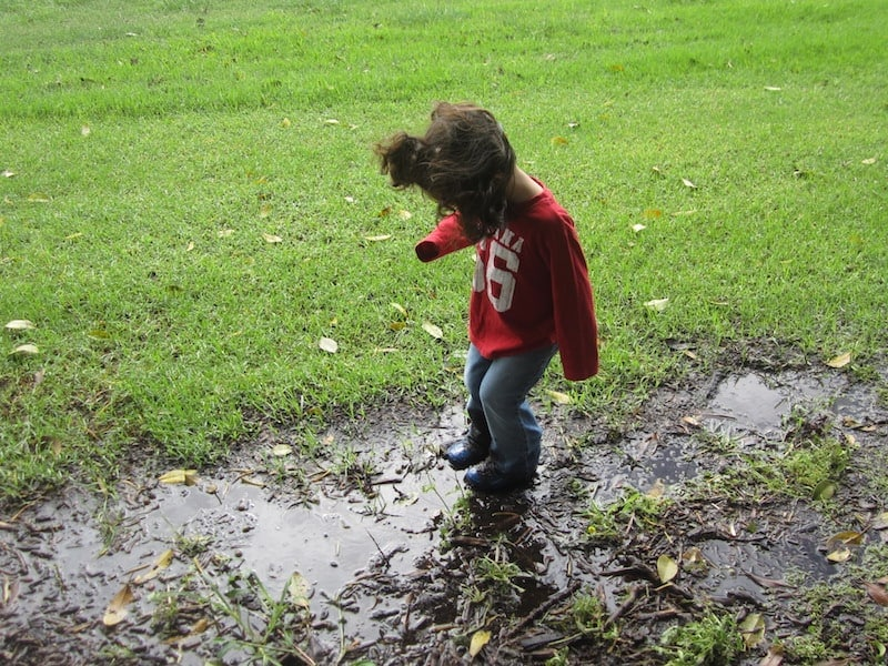 Got the rainy day blues? Rainy days can strike fear in the hearts of parents but don't worry. Here are some ideas on keeping kids occupied on rainy days in Newcastle, Lake Macquarie and Maitland. Whether it's getting out of the house and visiting some indoor spots or staying home and having fun, here's ideas for family run.