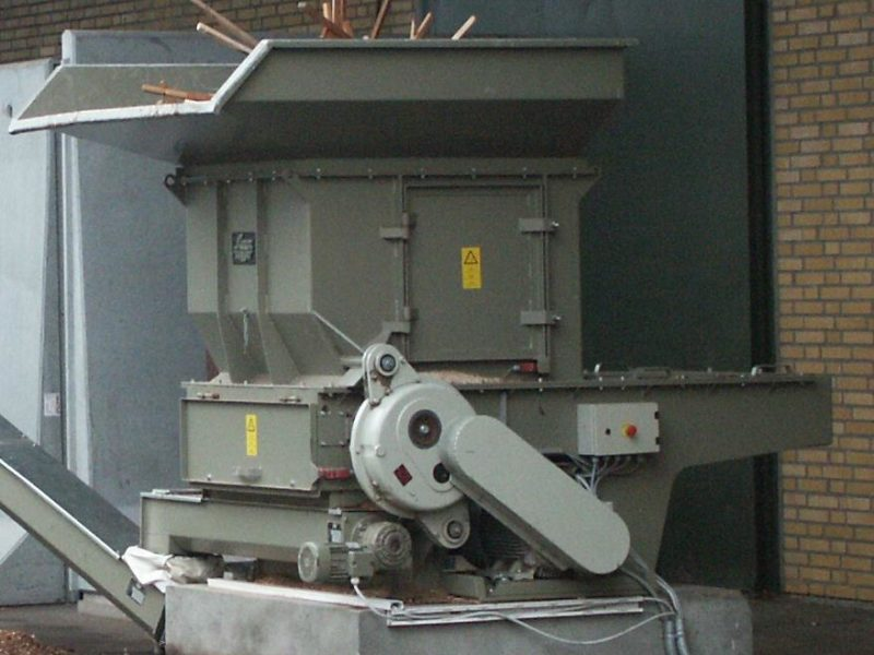 Hopper Shredder With Auger Conveyor Full Of Waste Wood