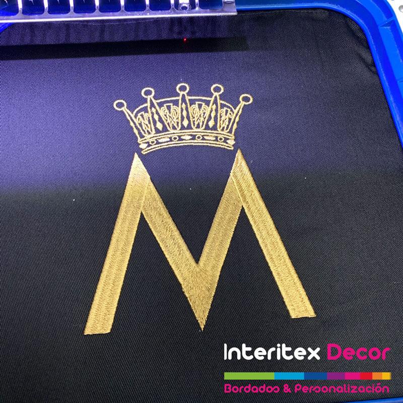 Bordado logotipo empresa ropa laboral