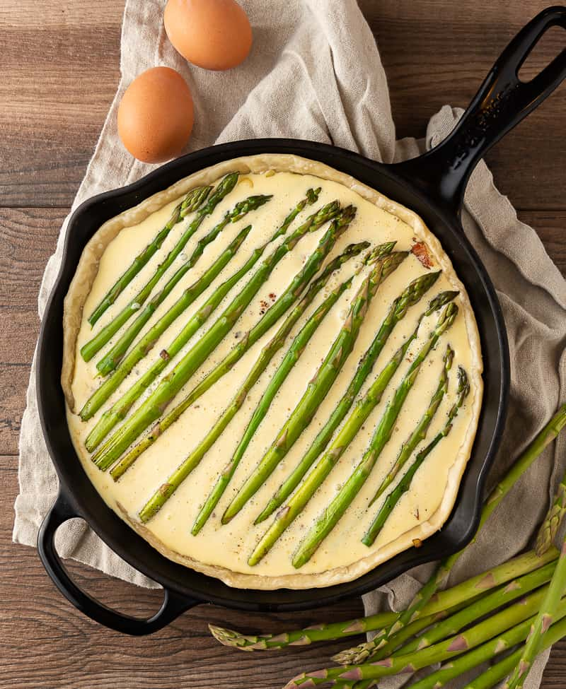 how to layer asparagus for quiche