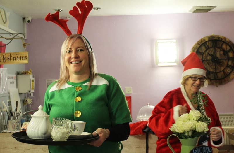 Community-elves-serve-up-festive-cheer