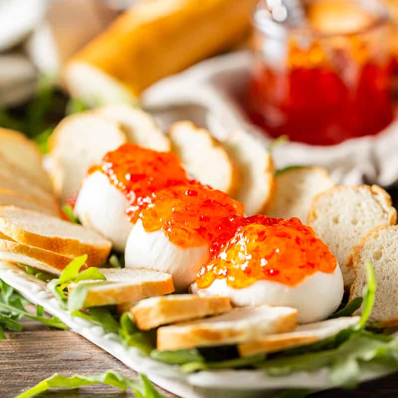 pepper jelly burrata appetizer