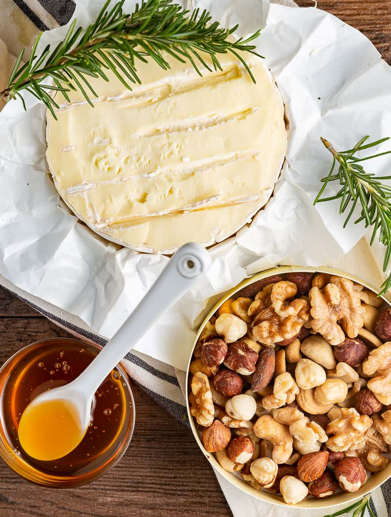 baked brie ingredients