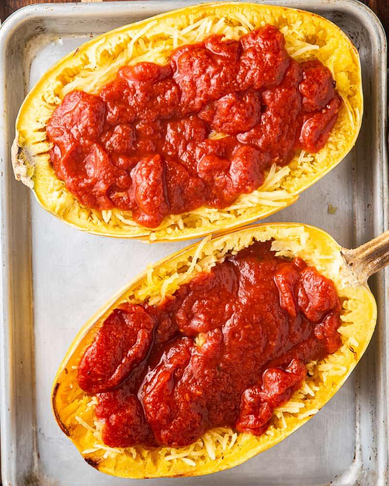 spaghetti squash topped with marinara sauce