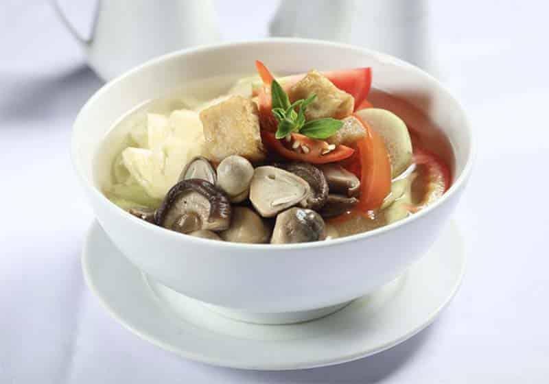 Canh chua chay đậu phụ non nấu với dọc mùng