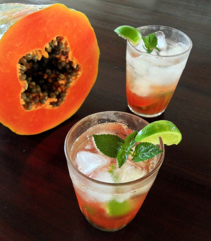 Papaya Mojito in Glasses