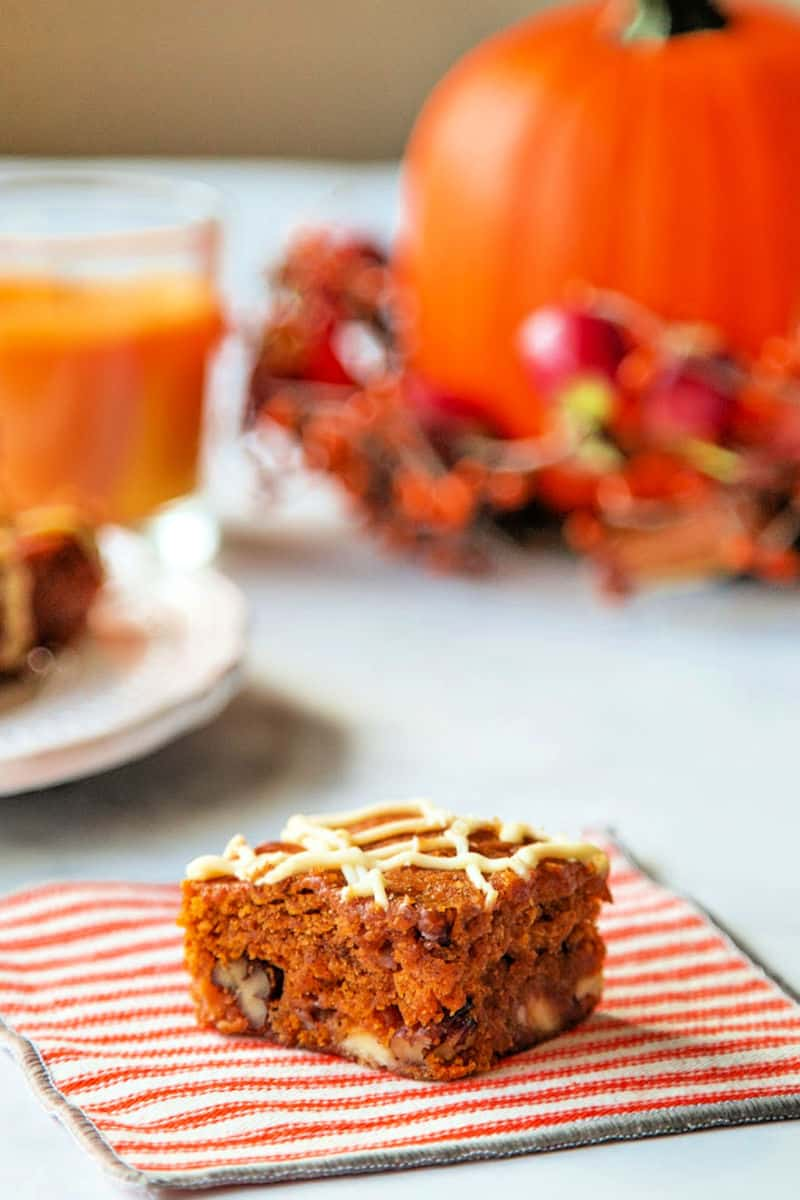 White Chocolate Pumpkin Bars | Life, Love, and Good Food #recipe #pumpkin #dessert