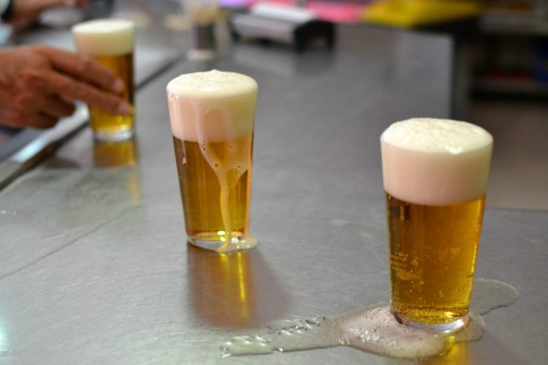 """The most typical way to order a beer in Spain is """"una caña"""", which is a small glass of beer (less than half pint of beer) / Photo: chupalagmaba (Flickr)"""
