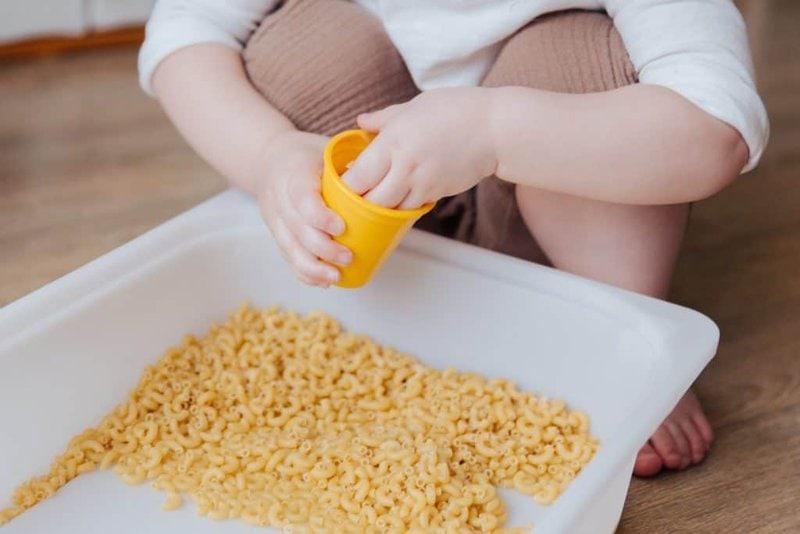 Jeux et activités Montessori pour un bébé de 6 mois à 1 an 5