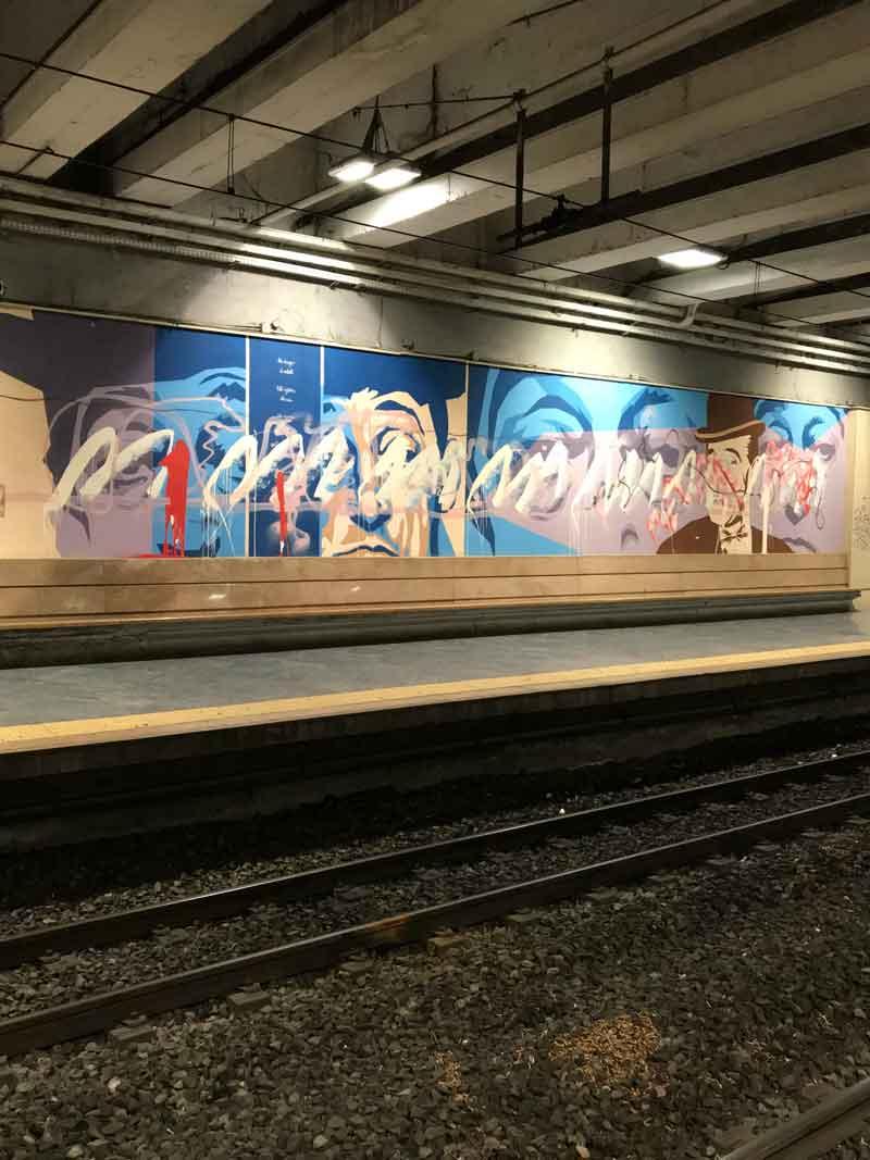 Graffiti che raffigurano Totò alla Stazione centrale di Napoli