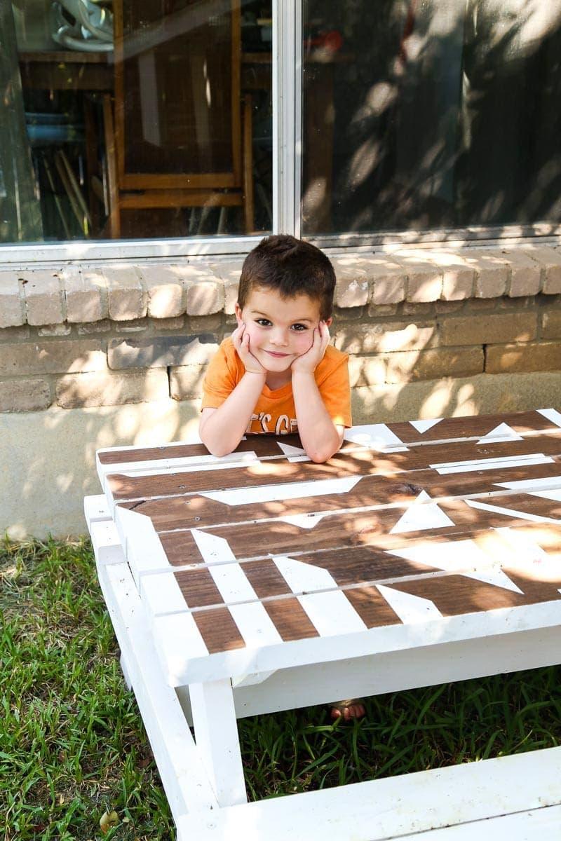 How to build and paint a cute DIY kids picnic table